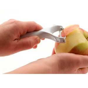pelar-manzanas